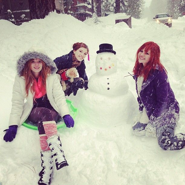 ☃ @bellathorne, @Dani_Thorne, Kaili Thorne ⛄