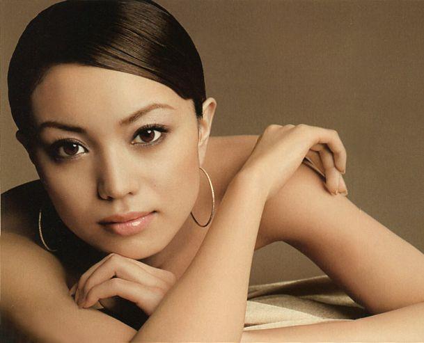 SHISEIDO (Japanese Cosmetics company) MAQUILLAGE.   Model / Yuri Ebihara.