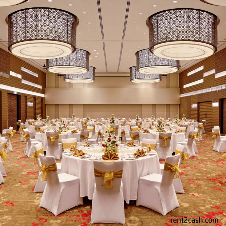Celebrate Your Wedding In A Royal Style By Booking Banquet Hall Nearby Location The Best Way To Search For Finest One Is 2cash At