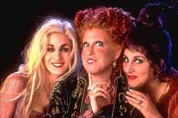 "13 Things You Probably Didn't Know About ""Hocus Pocus"" - BuzzFeed Mobile"