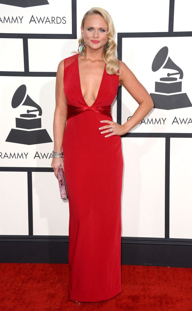 Miranda Lambert embodies old Hollywood glamour in this plunging red Pamella Roland gown!