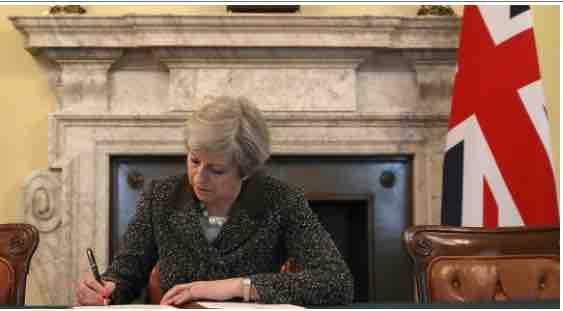 The #British are Leaving🇬🇧 The British are Leaving❗️  #fboLoud #tcot #eu #maga #tpot #ycot http://hotair.com/archives/2017/03/29/britain-launches-exit-from-eu-scotland-seeks-another-independence-referendum/ … http://fboLoud.com 🇺🇸
