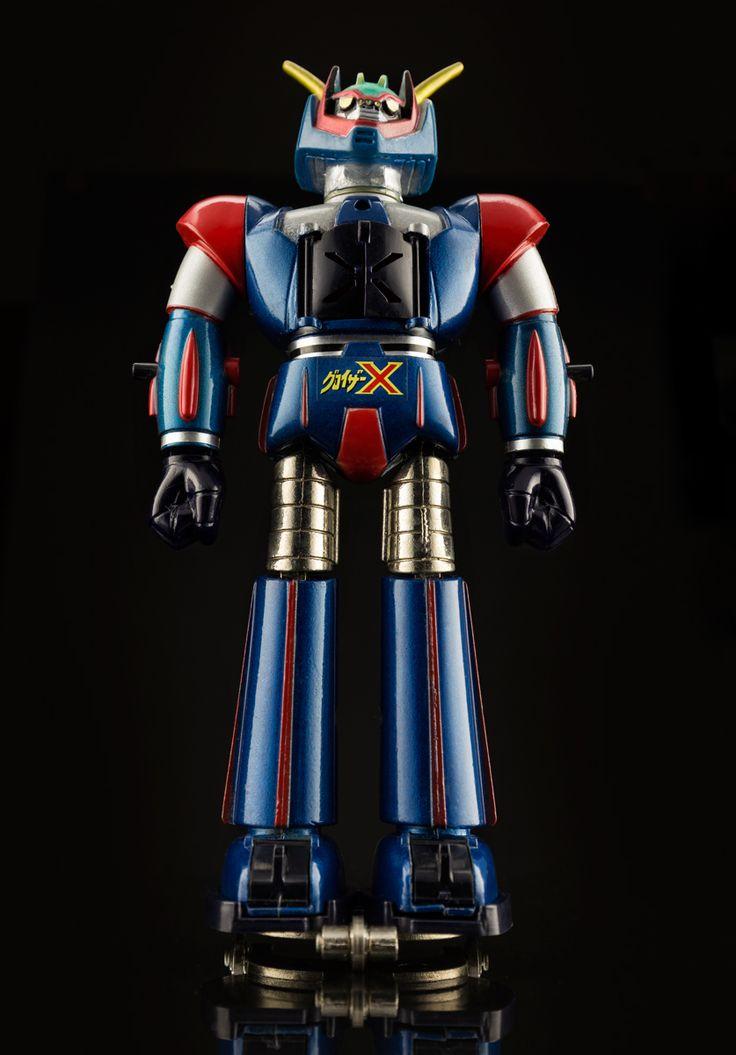 Nakajima Groizer X (グロイザーX) standard size gokin, 1976. Looks heroic, thanks to the 35mm lens. #Nakajima #Groizer X #グロイザーX #diecast #toys #1976 #GoNagai #vintagetoys #japanesetoys #robot #manga #anime #animation #gokin #chogokin #japan #超合金 #space