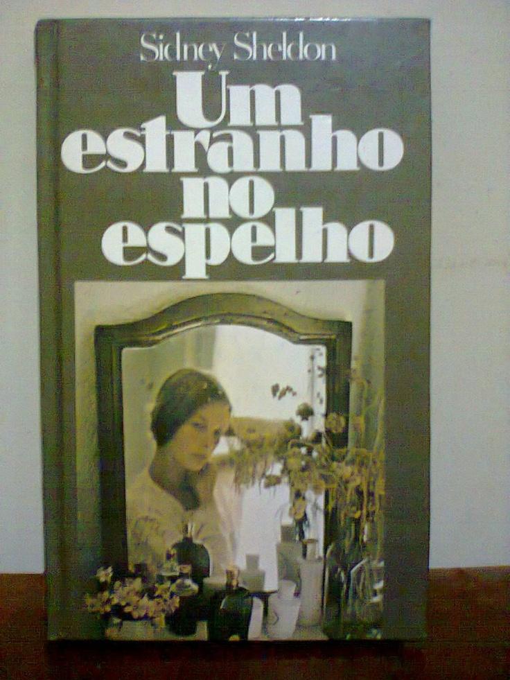 Livro Um Estranho No Espelho De Sidney Sheldon - Capa Dura