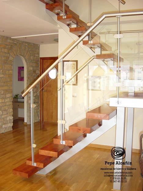 59 best images about escaleras on pinterest iron stair - Escaleras de buhardilla ...