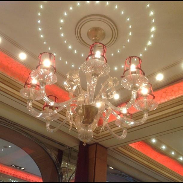Murano glass chandelier #Acanto - Photo by dorchestercollection