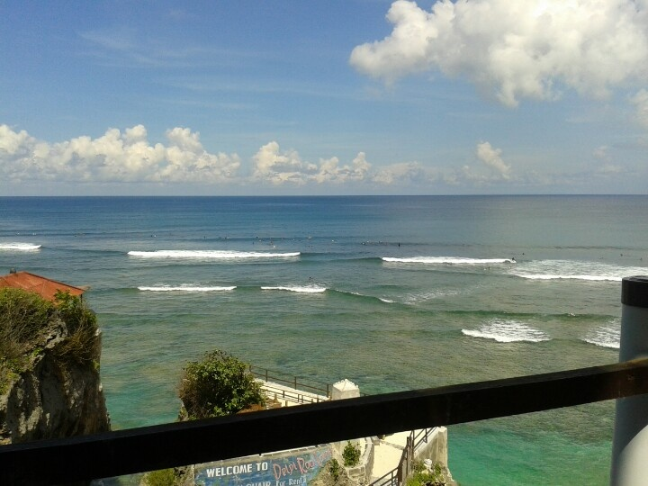 Uluwatu with Bali Surf Tours