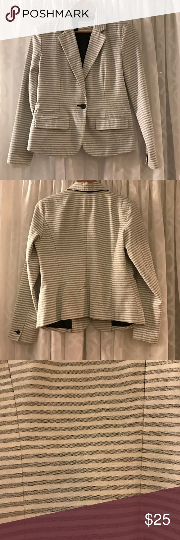 Merona - women's seersucker blazer - size large Merona - women's seersucker blazer - size large - never worn - MAKE AN OFFER! Merona Jackets & Coats Blazers