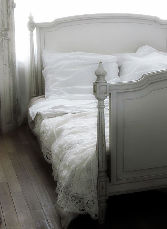 Frans bed / French bed. www.lepasse.nl