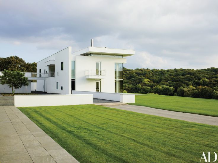 Richard Meier Creates a Striking Minimalist Home in the English Countr Photos | Architectural Digest