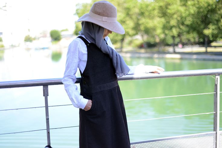 Robe salopette en velours milleraies #robe #salopette #velours #milleraies #dress #modest #fashion #islamic#musulmane