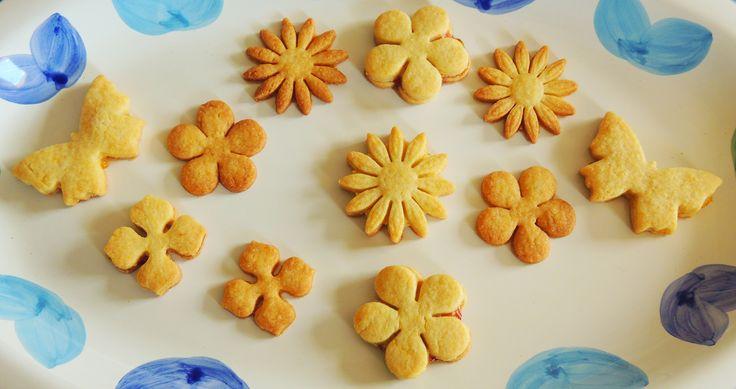Biscotti di pasta frolla http://blog.giallozafferano.it/vdolci/biscotti-di-pasta-frolla/