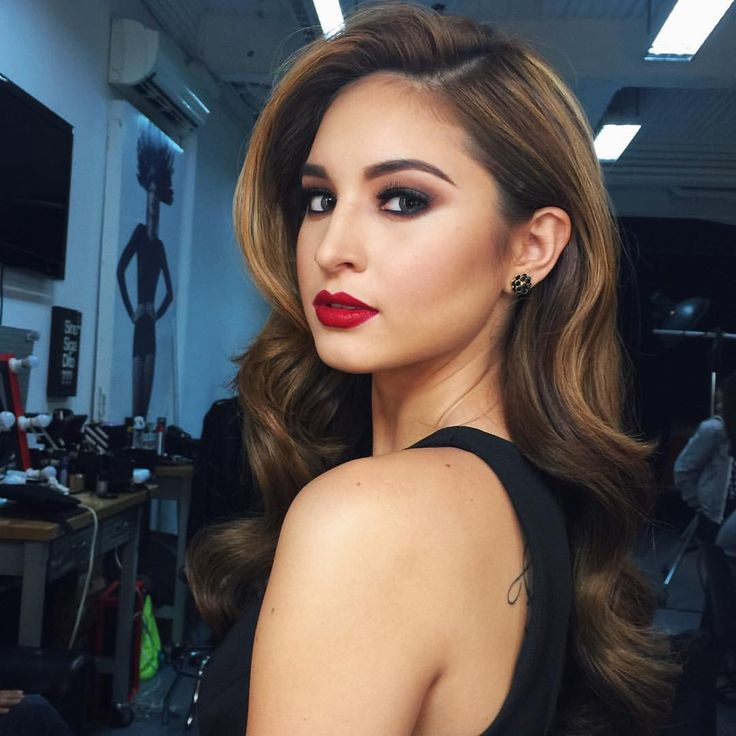 """Coleen Garcia on Instagram: """"Shooting for a new endorsement today! Thank you, Lord! Makeup by Pong Niu #hairbyrp @renzpangilinan #styledbyadrianne A..."""