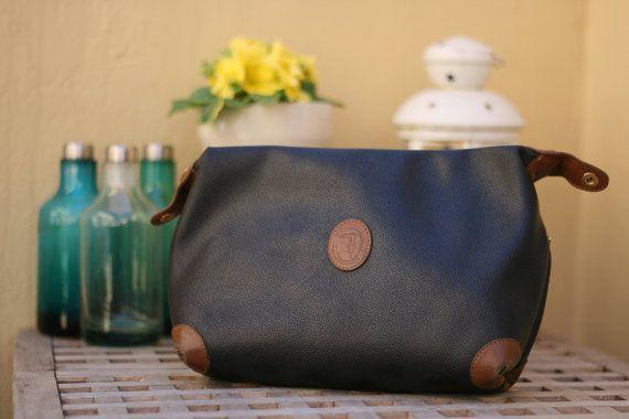 Borsa vintage Trussardi modello pochette in pelle nera / Original italian Trussardi leather vintage bag. #vintage #bag #leather #trussardi