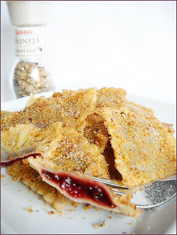 Coltunasi cu dulceata de prune   Retete Culinare - Bucataresele Vesele