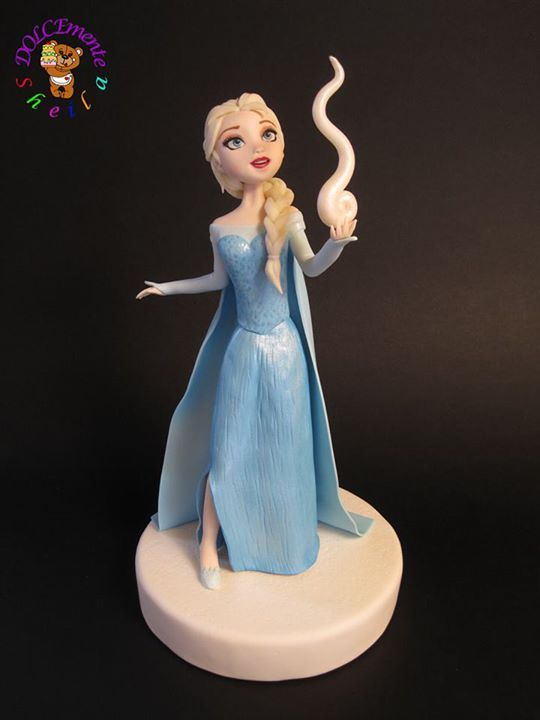 Elsa sugar figure