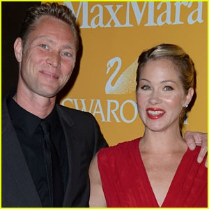 Christina Applegate skips the Oscars to get married to Martyn LeNoble! She can always go next year.