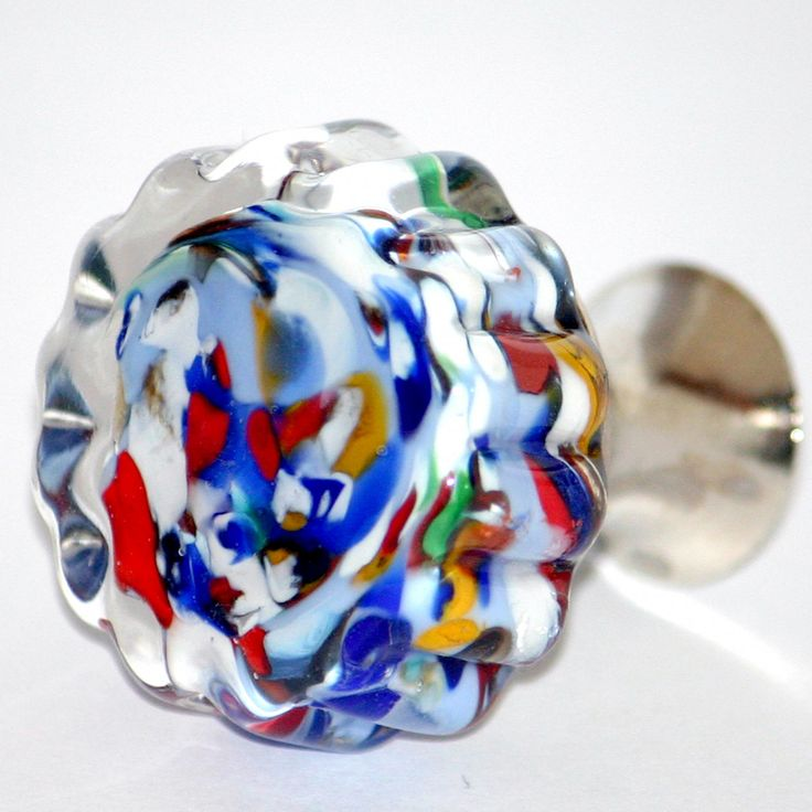 Knob in Murano glass multicolor made with lampwork technique.Ø +- 30 mm / H +- 35 mm Base in  chrome