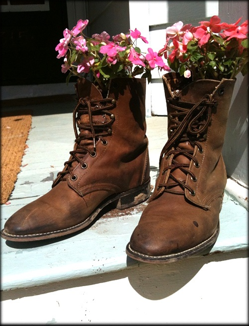 170 best old boots garden images on pinterest gardening plants good way to recycle old boots solutioingenieria Images