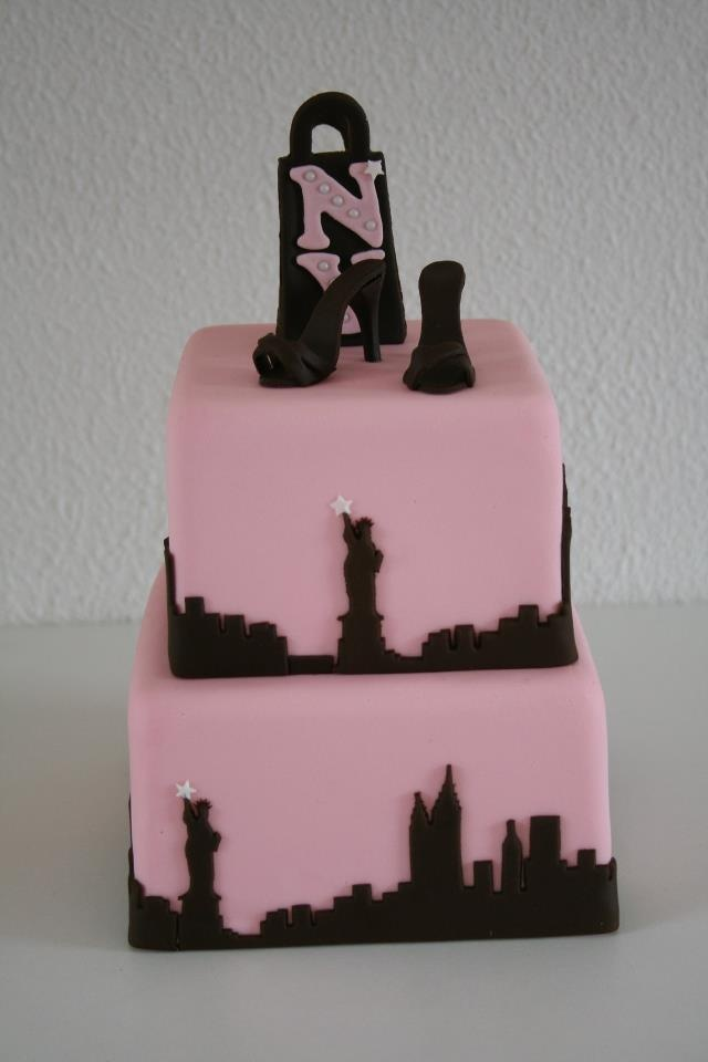 352 best City Cakes images on Pinterest Cakes Awesome cakes and