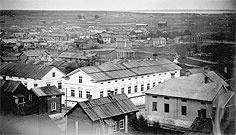 Vaara tuomiokirkon tornista kuvattuna 1870-luvulla. Valokuva K. Rob. Åström. Pohjois-Pohjanmaan museon kokoelmat.