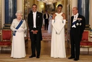 Мишель обама букингемский дворец платье