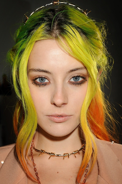 Chloe Norgaard's yellow/green/orange gradient hair rocks!