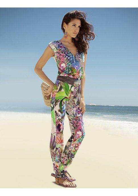 Комбинезон - http://www.quelle.ru/New_arrivals/Women_fashion/Women_trousers/Women_rompers/Kombinezon__r1305505_m297104.html?anid=pinterest&utm_source=pinterest_board&utm_medium=smm_jami&utm_campaign=board6&utm_term=pin21_29042014. Комбинезон. Остромодный наряд с тропическим принтом подходит как к вечернему выходу, так и к легкой дневной прогулке. #quelle #onepiece #classy #tropical #summer #vacation