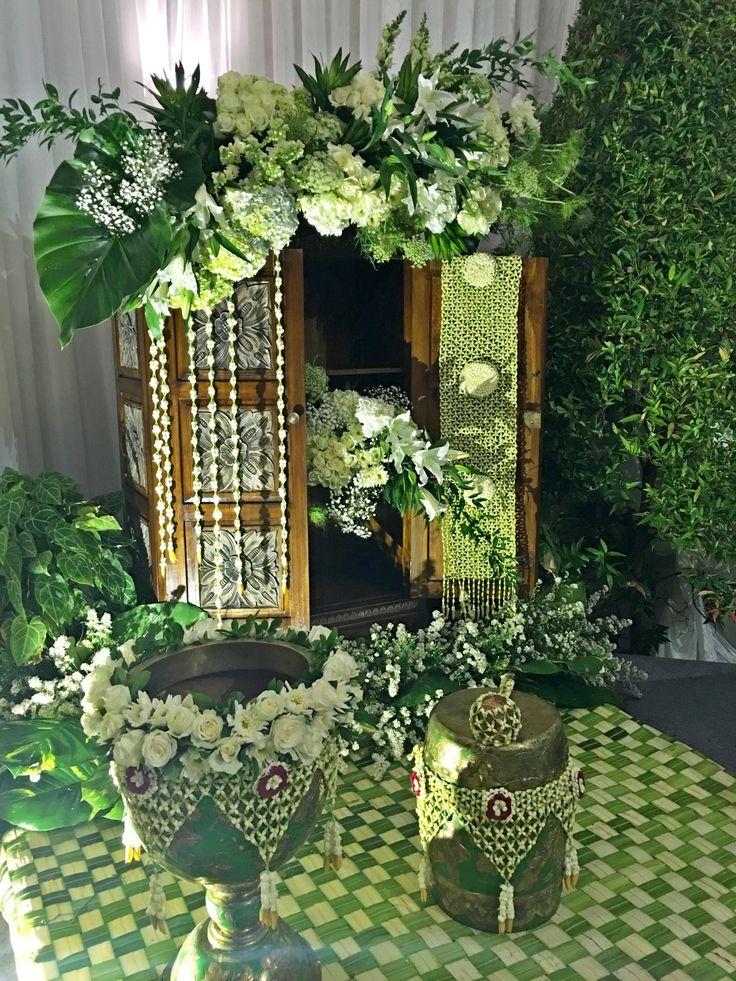 Dekorasi Rangkaian Bunga Untuk Siraman