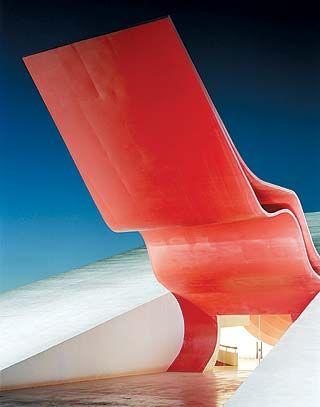 Oscar Ribeiro de Almeida Niemeyer Soares Filho 1907 - 2012. Memorial de América Latina, Sao Paulo -1987