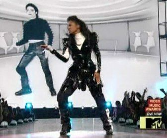"""michael and janet jackson dancing - Bing Images- *janet preforming at some music awards show,to the """"SCREAM'video """"With"""" michael,(already gone),on a screen behind her-this was 2013,or so,AND SHE WAS PISSED OFF-YOU FUCKIN""""GO GIRL!"""