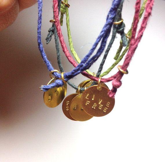 Hippie Hemp Bracelet-amitié Bracelet Hipster Boho bijoux personnalisés lettrine cadeau Coachella Festival Big Little Sorority