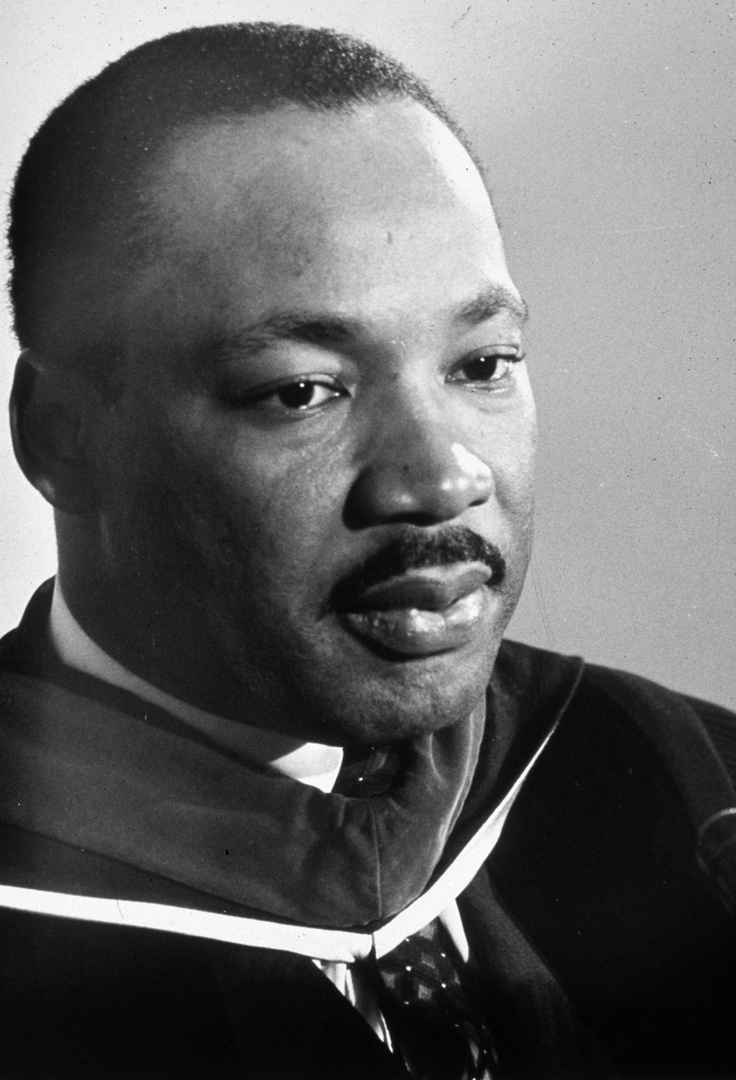 How should I start my Martin Luther King non - violence essay?