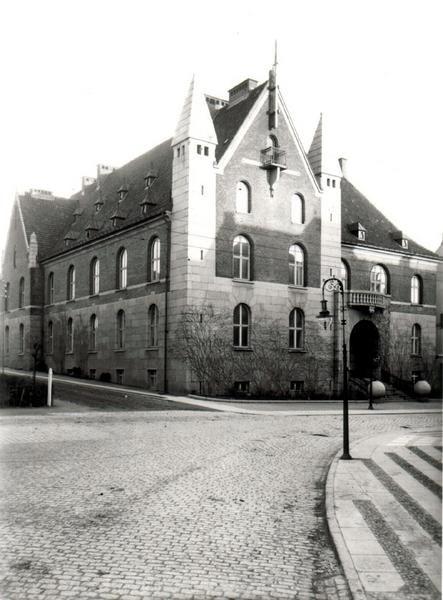 Den gamle kreditforening i 1907. I dag har Nykredit til huse i bygningen.