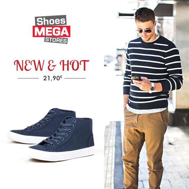 Μπλε μποτάκια με λευκή σόλα για casual εμφανίσεις!  #shoesmegastores #andrika #mpotakia