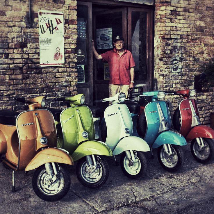 """eccellenze-italiane: """"  vespa colors da Franco Marconi Ripatransone (AP) Marche Italy"""