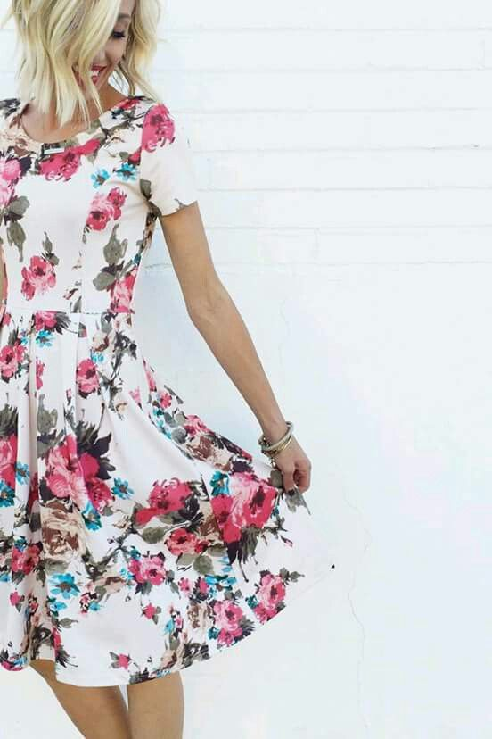 1000+ ideas about Floral Dress Outfits on Pinterest
