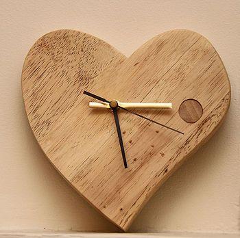 DIY Woodworking Ideas Hand Crafted Valentine Wooden Clock