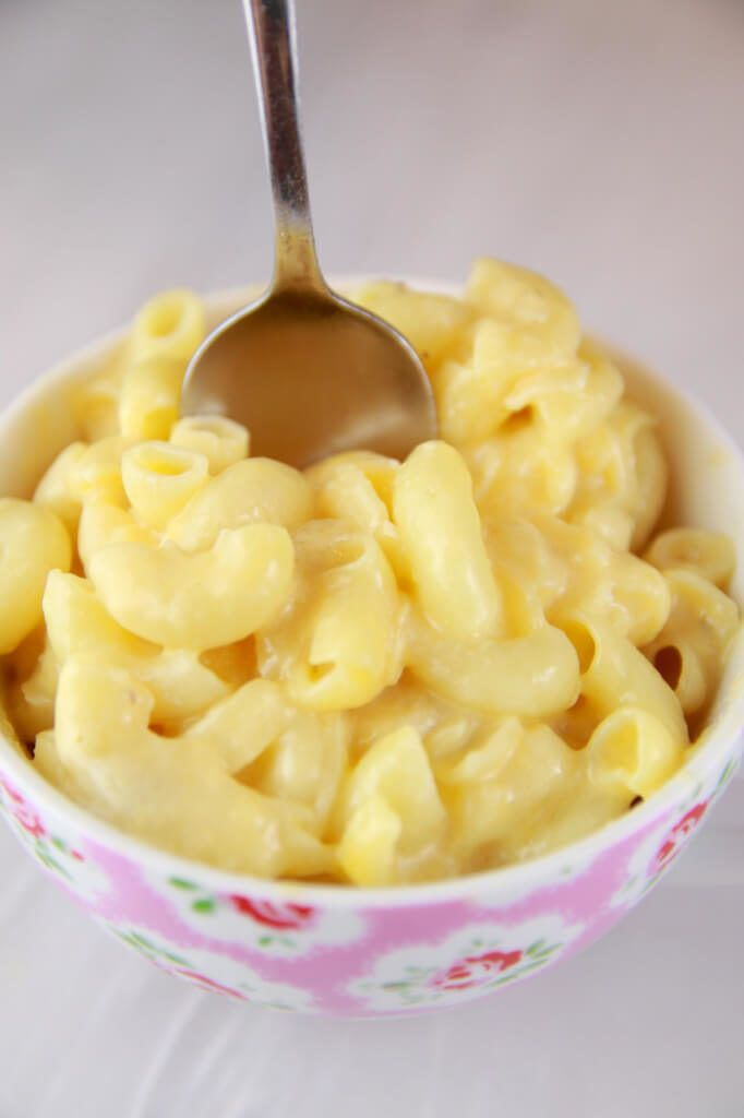 6. Microwave Mac and Cheese in a Mug #healthy #recipes #college http://greatist.com/eat/healthy-dorm-room-recipes