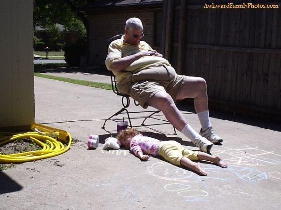 classic: Funny Pictures, Hands, Funny Stuff, Awkwardfamilyphotos Com, Awkward Photos, Awkward Family Photos, Families