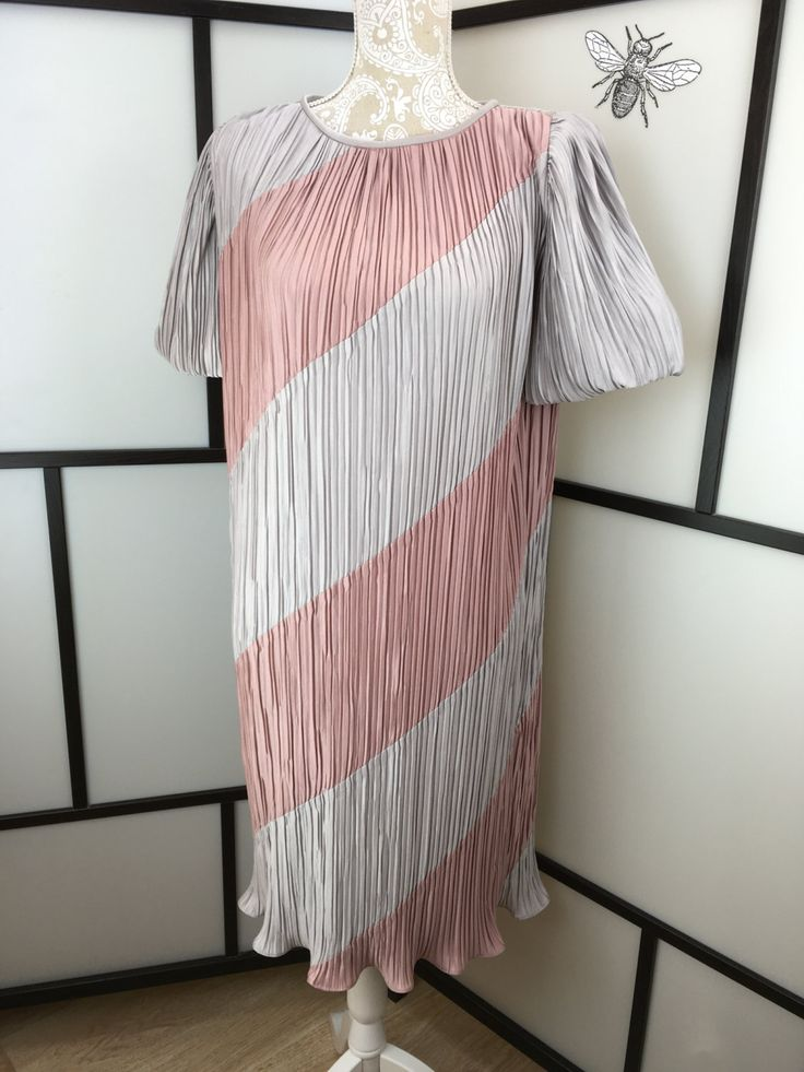 Pink and Grey Vintage Dress, Women's Silver and Pink Dress, ILGWU, Made in USA, Size Small or Medium by InBeetweenVintageCo on Etsy