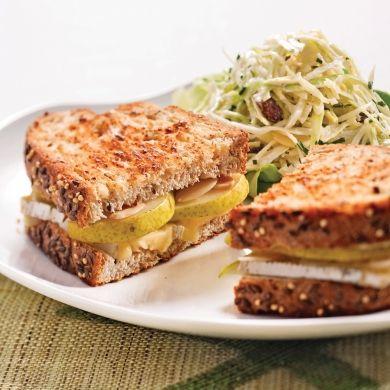 Grilled cheese aux poires et aux amandes - Recettes - Cuisine et nutrition - Pratico Pratique