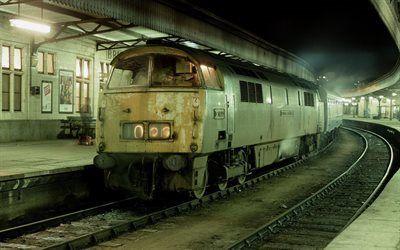Scarica sfondi ferrovia, stazione, notte, vecchia locomotiva
