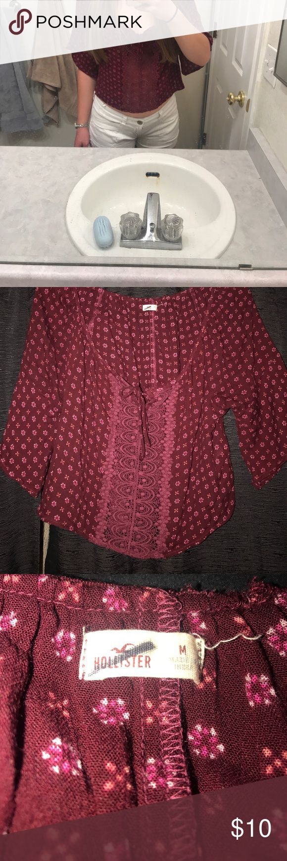 HOLLISTER TOP-Size MEDIUM Hollister top. Makes a perfect outfit with white or Denim shorts. Size Medium. Hollister Tops Blouses