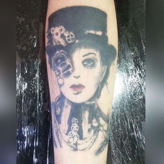 Reprodução de uma obra do artista holandês  Loui Jover #louijover #tattoos #tattooartist #tattooprint #tatuaje #mickysharpzbr