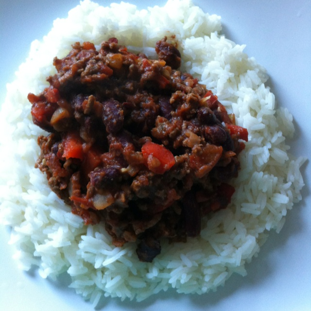 Rachel Allen recipe for chilli con carne. Very yummy but very spicy so ...