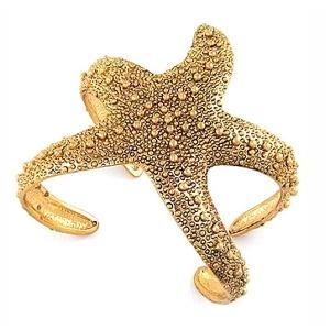 Starfish bracelet. Crazy/cool.Cuffs Bracelets, Starfish Bracelets,  Sea Stars, Hovey Lee, Jewelry, Ocean Cuffs, Accessories, Cuff Bracelets, Starfish Cuffs