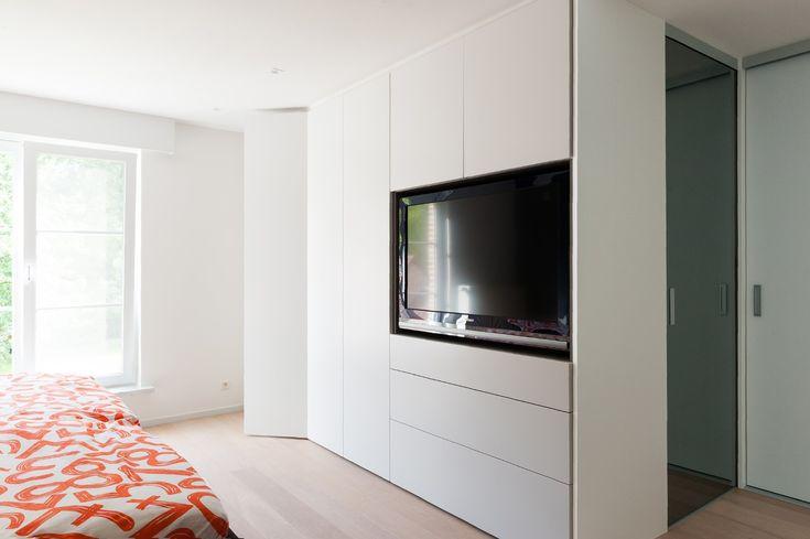 25 beste idee n over kleine ruimte meubelen op pinterest kleine speelkamer kleine bedden en - Tv staan kleine ruimte ...