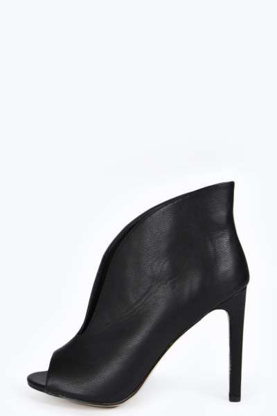 Sofia V Front Shoeboot at boohoo.com | 34 euro