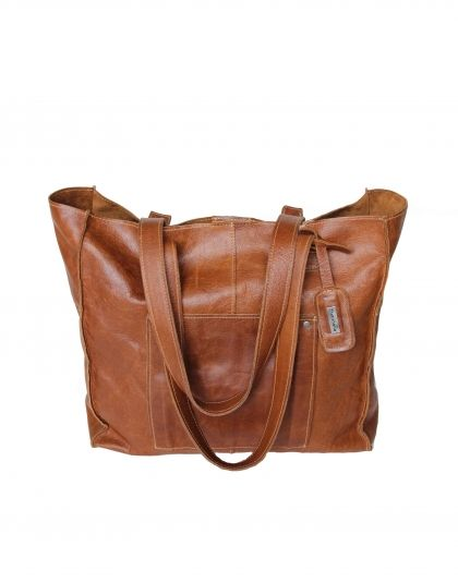 Chic, spacious Thandana brown leather tote bag. Buy it from Wave2Africa - an online gift and decor boutique.